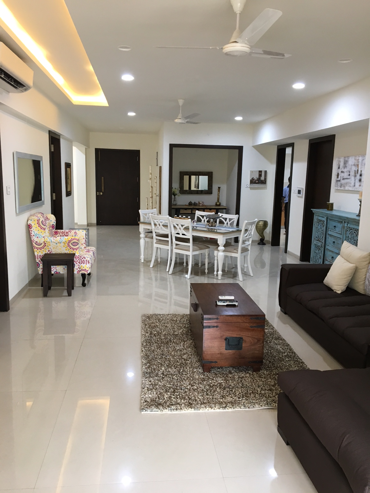 Living Room: Living room decorated in classical style with a touch of Asian at Concord Nest Serviced Apartment